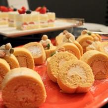 ロールケーキ他、デザート9種ありました!