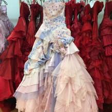 2色使いのドレス
