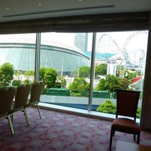 親族控室から東京ドームが見えます