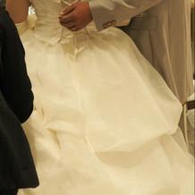 ウェディングドレス(バックスタイル)