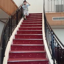 階段から登場出来ます。