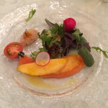 フランス産マグレ鴨と野菜の料理