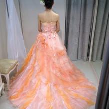 試着したドレス①