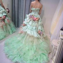 試着したドレス②