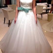 白ドレス Aライン 可愛い