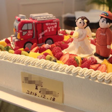 消防車のウエディングケーキ
