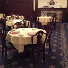 披露宴会場 丸テーブル