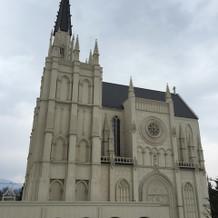 2つ目の教会の外側からみた光景です。