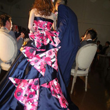お気に入りのドレスの後ろ姿