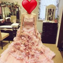 私が選んだドレスです