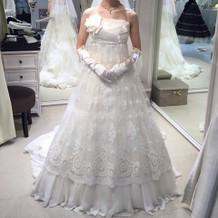 本番で着た、ジルスチュアートの白ドレス。
