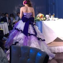 白がベースの紫!お花がポイントです!