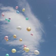 雲と空と風船のコラボ♪