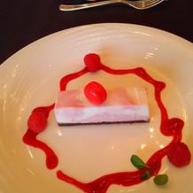 披露宴の通常メニューのデザート