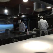 披露宴会場のオープンキッチン