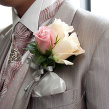 胸ポケットの花
