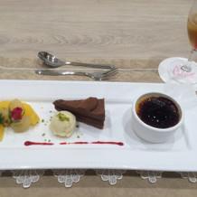 一番右は濃厚なアイス、チョコはガナッシュ