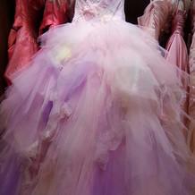 衣装室カラードレス