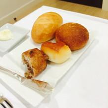 パンは5種類から選べるそうです。