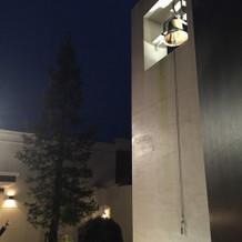 チャペルの入り口側の鐘