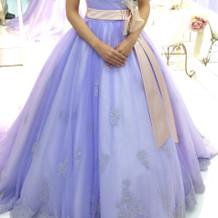 カラードレスも様々な種類がありました。