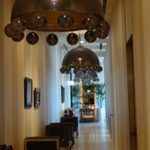 待合室前の廊下