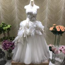 衣装の受付に飾ってあるドレスです!
