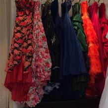 写真は一部ですが、和柄ドレスもありました