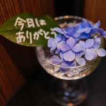 お手洗いにもお花を添えました。