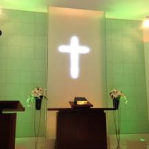 祭壇をグリーンにする演出