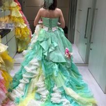 変わったドレスも可愛いです。、