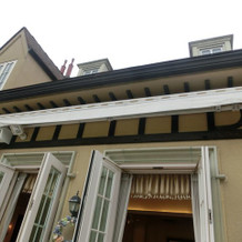 雨天時対応の屋根