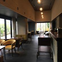 最上階を食事会場にした場合の待合室