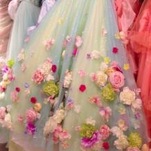 立体フラワーのかわいいドレス