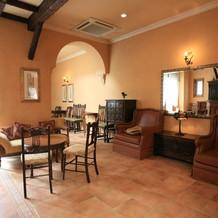 アンティークの家具が優しい雰囲気。