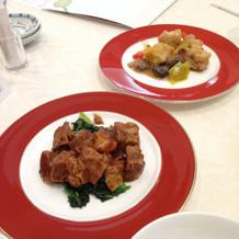 豚肉のデミグラスソースとチキンロースト