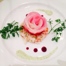 鯛を使った料理(薔薇のイメージ)
