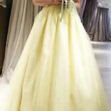 黄色ドレス