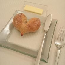 ハートのパンがとっても可愛い!