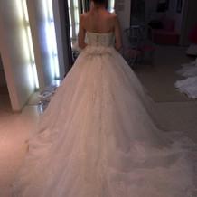 実際に着た白ドレスです。