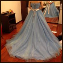 水色のドレス。アナ雪効果?で人気とのこと