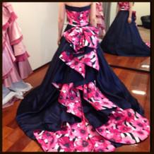 カラードレス。ネイビー系。