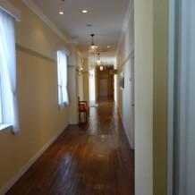 挙式会場までの廊下