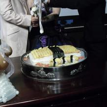 巨大寿司への入刀