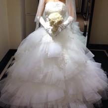 ケネス・プールのドレス