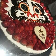 だるまケーキ(目入れをしました)