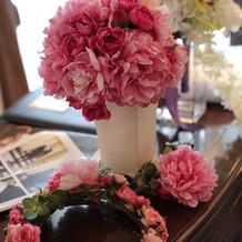 カラードレスに合わせたブーケ・花冠
