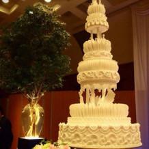 大きなケーキにびっくりしました!