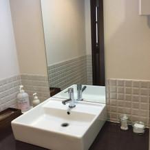 お手洗いスペース、自由に飾りつけ可能
