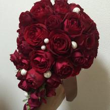 ウェディングドレスの花
